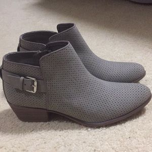 Super cute ESPRIT, almost new, ankle boots...